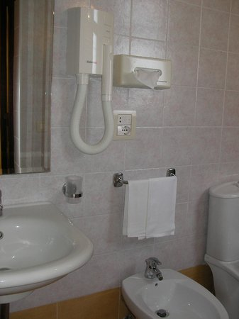 Hotel Continental : Bathroom