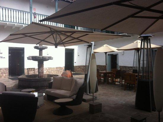 Casa Andina Premium Cusco: patio de l'hôtel