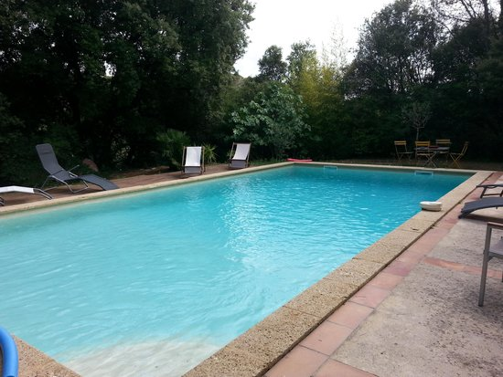 L'Ostal du Pic Saint Loup: piscine