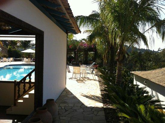 Confraria Colonial Hotel Boutique: boa piscina com excelente mobiliario