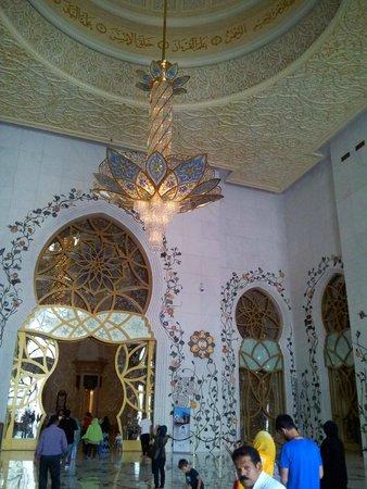 Mosquée Cheikh Zayed : MEZQUITA ABU DHABI-LAMPARA DE SWAROVSKI PEQ.