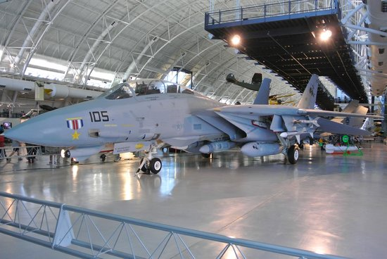 Smithsonian National Air and Space Museum Steven F. Udvar-Hazy Center: F-14