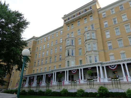 French Lick Springs Hotel: hotel front