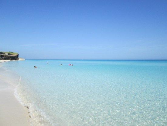 Melia Cayo Coco: El mar planchado.-