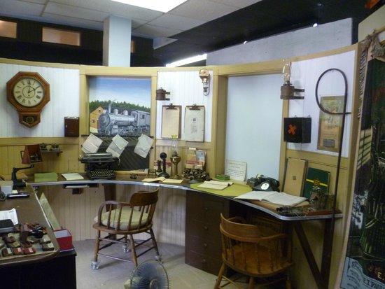 Halifax & Southwestern Railway Museum: Booking office