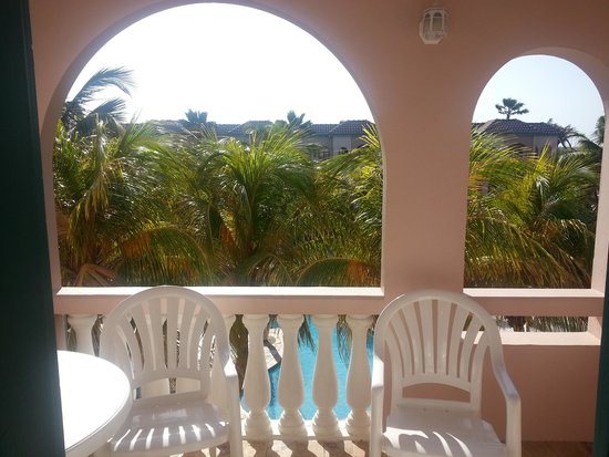 Caribbean Palm Village Resort: Scene from the porch - Beautiful