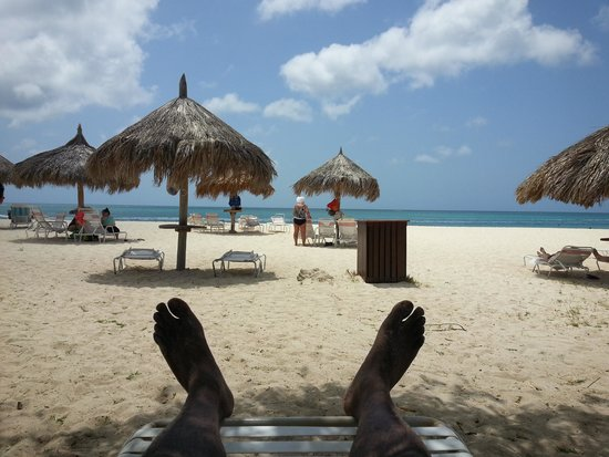 Caribbean Palm Village Resort: Relaxing on the beach