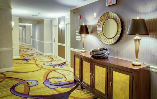 InterContinental New Orleans: Guestroom Corridor