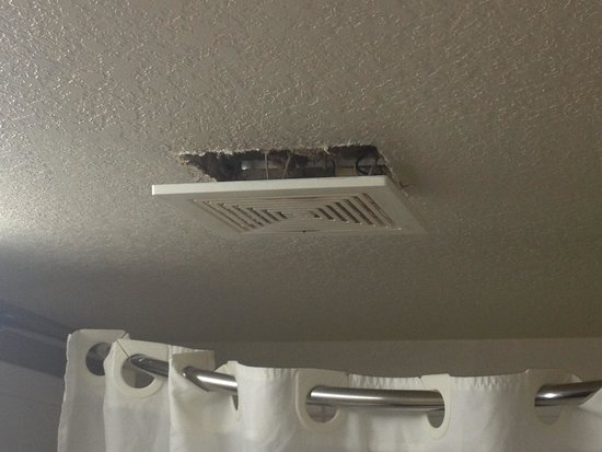 City Studios: Ceiling vent in bathroom. Wow!