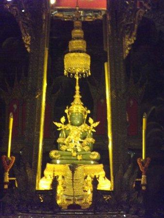 Temple of the Emerald Buddha (Wat Phra Kaew): Buda de Esmeralda
