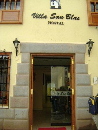 Villa San Blas: fachada del hotel