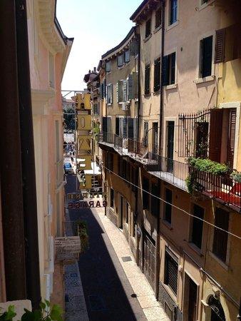 Giulietta e Romeo Hotel : Vue sur la rue