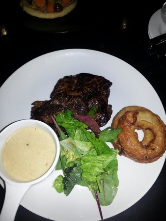 Harry's Bar and Restaurant: 18oz aged Rump steak with pepper sauce and onion rings