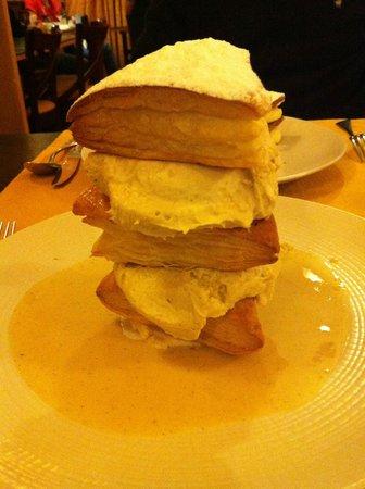 Le Florimond : millefoglie alla salsa di cioccolato bianco