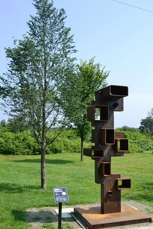 Stowe Recreation Path: art in the park