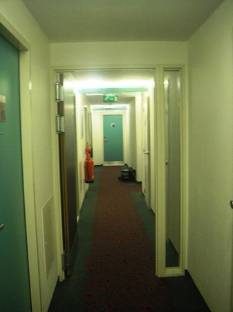 Ibis London Wembley: Lobby: 5th Floor