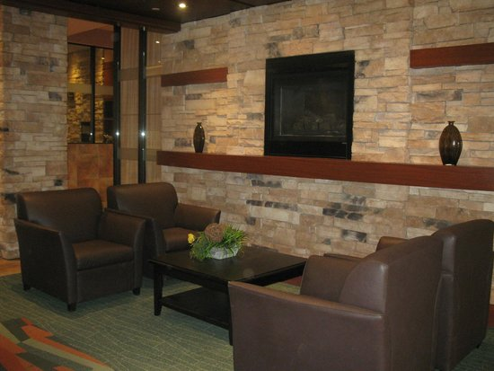 Quality Inn & Suites Levis: lobby