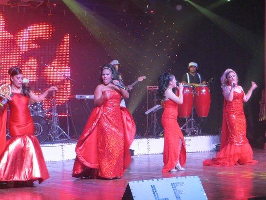 Iberostar Grand Hotel Paraiso: We enjoyed all of the shows