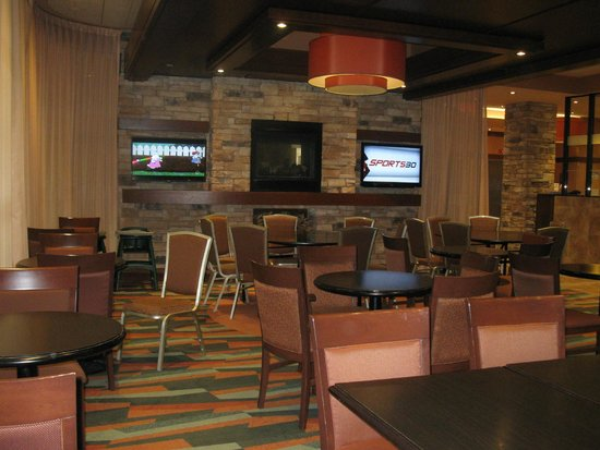 Quality Inn & Suites Levis : breakfast dining
