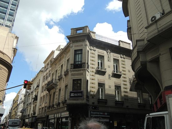 Recoleta  |  Junin y Guido, Buenos Aires, Argentina