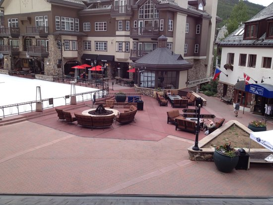 Park Hyatt Beaver Creek Resort and Spa : Just outside the front of hotel