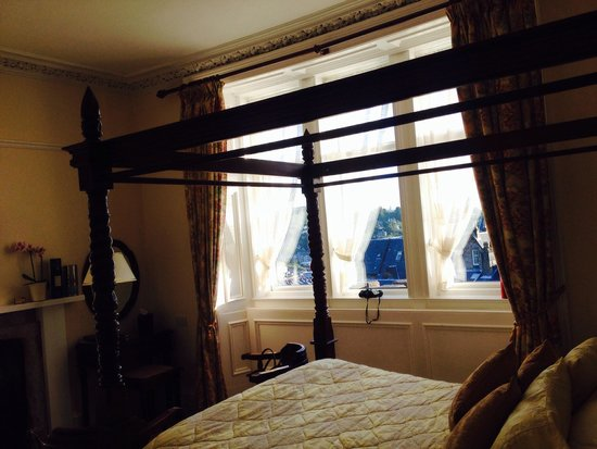 Dunheanish Guest House: Ground floor room