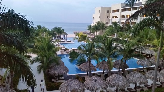 Iberostar Grand Hotel Rose Hall: View from lobby