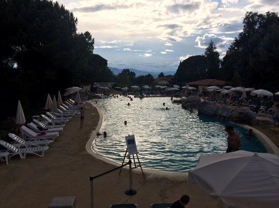 Pierre & Vacances Village Club Le Rouret : L'une des piscines