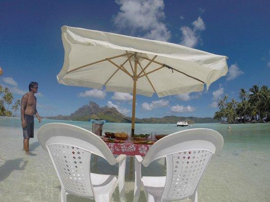 InterContinental Bora Bora Resort & Thalasso Spa: Lunch on the private motu
