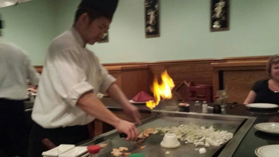 Musashi Japanese Steak and Seafood : Love the onion volcano.