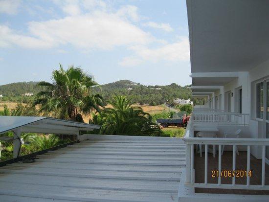 Hotel Apartamentos Monterrey: View from balcony
