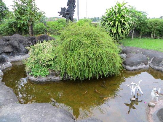 Poeri Devata Resort Hotel : A koi pond on the hotel grounds