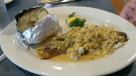 McElroy's Harbor House Seafood Restaurant : The Harbor Plate