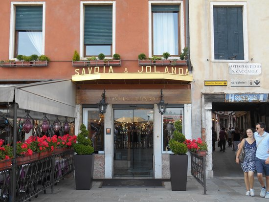 Hotel Savoia & Jolanda : front of the hotel
