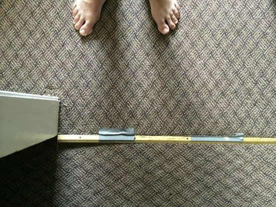 Sorrento Inn : Duct tape used through out to hold down carpet and lino