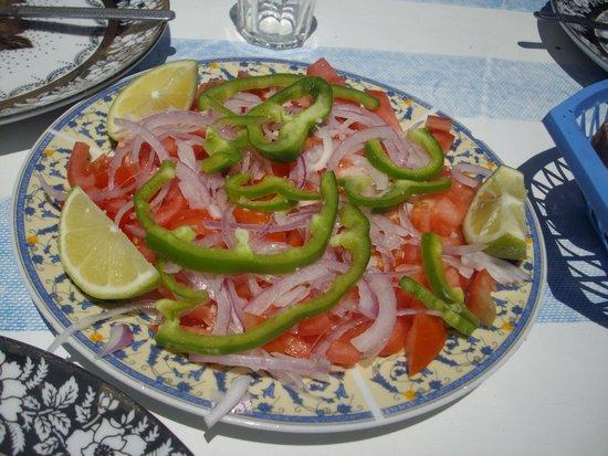 Essaouira Fish Market : Tomato & Onion Salad