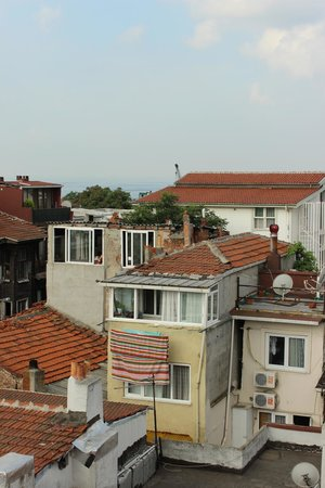 Mevlana Hotel: Neighborhood view from terrace