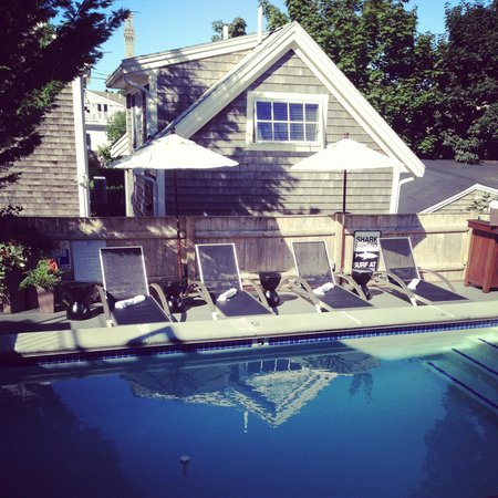 8 Dyer Hotel: Perfect Ptown Poolside