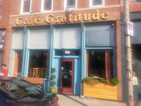 Cafe Gratitude: Entrance