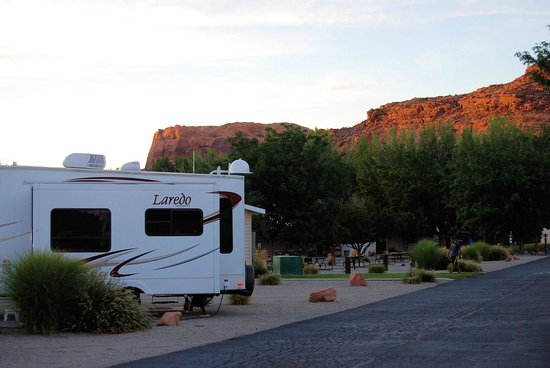 Portal RV Resort / Campground : The grounds.