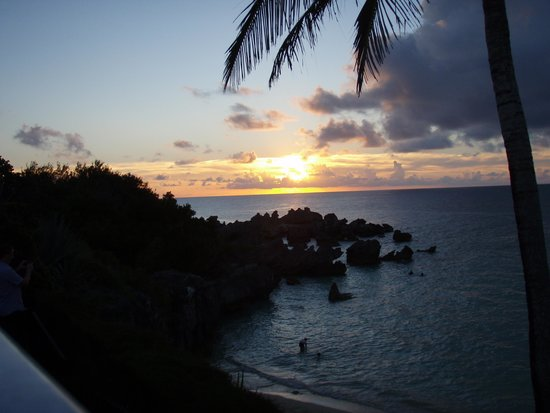 The Beach House at Blackbeard's : Beautiful site to view the sunset!