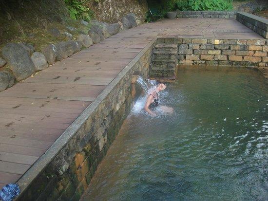 Poca Da Dona Beija: The hot water spouts