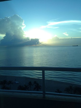 The Ritz-Carlton, Fort Lauderdale : Ocean front room view