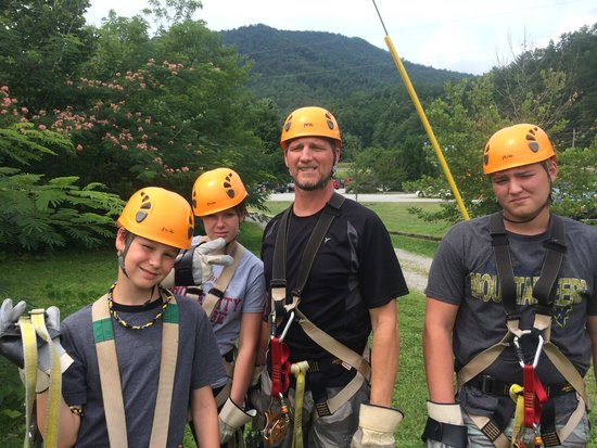 Pigeon River Canopy Tours : The Family