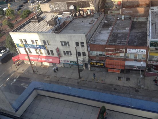 Marco LaGuardia Hotel by Lexington: View of street (Farrington St) from room