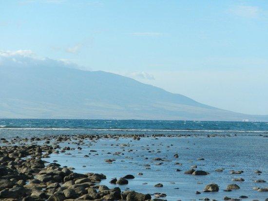 Dunbar Beachfront Cottages: veiw of Maui from Dunbar cottage deck