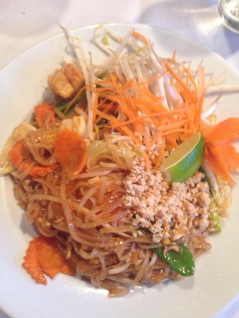 Green Papaya Thai Restaurant: Veggie & Tofu Pad Thai