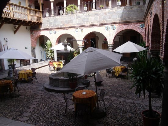 MARQUESES Boutique Hotel : main courtyard