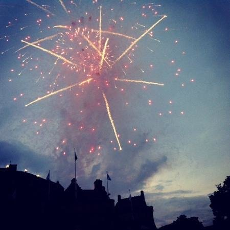 The Royal Edinburgh Military Tattoo : fireworks at the Tattoo
