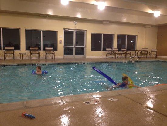 Hyatt Place Denver Tech Center: pool time fun
